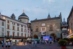 BERGAMO, LOMBARDY/ITALY - CZERWIEC 25: Festiwal Muzyki w piazza Vec Fotografia Stock