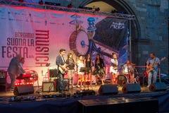 BERGAMO, LOMBARDY/ITALY - CZERWIEC 25: Festiwal Muzyki w piazza Vec Zdjęcie Stock