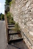 BERGAMO, LOMBARDY/ITALY - CZERWIEC 25: Przerastający set kroki w Był obraz stock