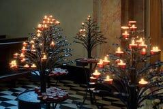 BERGAMO, LOMBARDY/ITALY - 25 GIUGNO: Candele nella cattedrale di Fotografia Stock Libera da Diritti