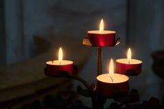 BERGAMO, LOMBARDY/ITALY - 25 GIUGNO: Candele nella cattedrale di Immagine Stock Libera da Diritti