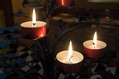 BERGAMO, LOMBARDY/ITALY - 26 GIUGNO: Candele nella cattedrale di Fotografie Stock Libere da Diritti