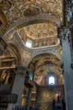 BERGAMO, LOMBARDY/ITALY - 25 JUNI: Binnenlandse Mening van Basili Stock Afbeeldingen