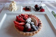 BERGAMO, LOMBARDY/ITALY - 25 JUNI: Dessert in een Restaurant in C Stock Afbeeldingen