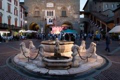 BERGAMO, LOMBARDY/ITALY - 25 JUNI: Muziekfestival in Piazza Vec Royalty-vrije Stock Fotografie