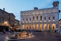 BERGAMO, LOMBARDY/ITALY - 25 JUNI: Piazza Vecchia in Bergamo  Royalty-vrije Stock Afbeeldingen