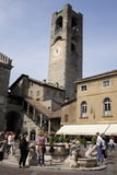 Bergamo piazza Vecchia royaltyfri bild