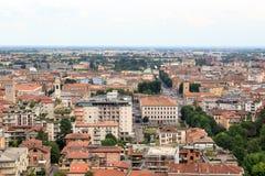 Bergamo-Stadtbildpanorama gesehen von Citta Alta Lizenzfreie Stockfotos