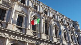 Bergamo stary miasteczko Jeden piękny miasto w Włochy Krajobraz przy biblioteką publiczną Angelo Mai zbiory wideo
