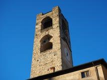 Bergamo - vecchia città Abbellisca sulla torre di orologio chiamata l'IL Campanone Fotografia Stock