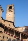 Bergamo - vecchia città Abbellisca sulla torre di orologio chiamata l'IL Campanone Fotografie Stock Libere da Diritti