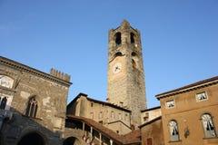 Bergamo - vecchia città Abbellisca sulla torre di orologio chiamata l'IL Campanone Fotografia Stock Libera da Diritti