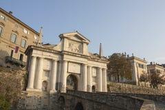 Bergamo - vecchia città Citta Alta Uno di bella città in Italia Lombardia Abbellisca sul vecchio portone nominato Porta San Giaco Fotografie Stock