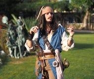 BERGAMO, Włochy Październik 28, 2017 aktor w osoby ` kapitanu Jack Sparrow cosplay ` od piratów Karaiby przy Brusaporto expo P Fotografia Stock