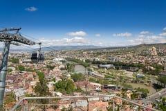 Bergbana över den Tbilisi staden georgia Arkivfoton