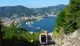 Bergbana av Como sjön, Italien Arkivbilder