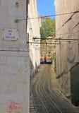 Bergbana (Elevador) i Lissabon Royaltyfria Bilder