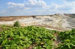 Bergbau des Kaolins Stockfotos