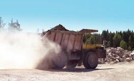 Bergbauzufuhrbehälter Lizenzfreies Stockfoto