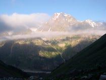 Bergbeklimmers in de Kaukasus royalty-vrije stock foto's