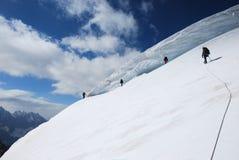 Bergbeklimmers op de helling Royalty-vrije Stock Afbeelding