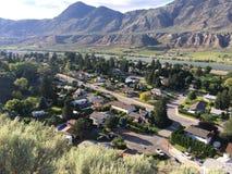 Bergblick einer Stadtnachbarschaft Lizenzfreies Stockbild