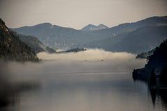 Bergblick Seekarspitze auf dem See Achen in Österreich lizenzfreies stockbild