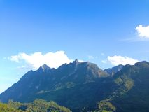 Bergblick von Doi Luang Chiang Dao, Chiangmai, Thailand Stockbilder