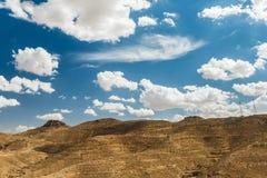 Bergblicke in der Wüste Touristen auf einen Hügel tunesien Stockfoto