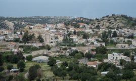Bergby av Akanthou, Cypern Fotografering för Bildbyråer