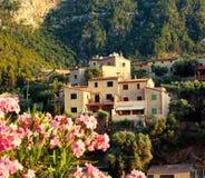 Bergby Deia i Mallorca Fotografering för Bildbyråer
