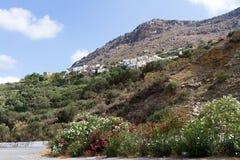 Bergby i Kreta Royaltyfri Bild