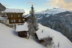 Bergbyn och berömt skidar semesterorten av Murren, Schweiz Royaltyfri Foto