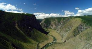 Bergcanion en bron van de rivier stock fotografie