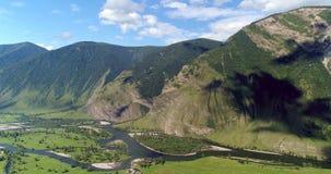 Bergcanion en bron van de rivier royalty-vrije stock foto's