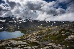BergDalsnibba landskap i Geiranger, Norge Arkivfoton