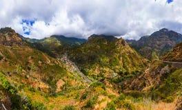 Bergdorf in Madeira Portugal lizenzfreies stockbild