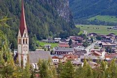 Bergdorf in Otztal, Tirol, Österreich lizenzfreie stockfotos