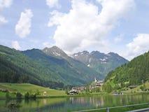 Bergdorf in Südtirol, Italien Lizenzfreies Stockfoto