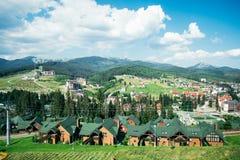 Bergdorp op een Sunny Summer-dag stock afbeelding