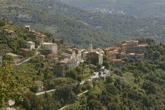 Bergdorp van Belgodere in het Nebbio-gebied, Corsica, Frankrijk Stock Foto's