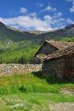 Bergdorp van Cheneil, Aosta-Vallei, Italië stock afbeelding
