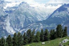 Berge auf dem Sommer Stockfotos