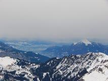 Berge in den französischen Alpen lizenzfreies stockfoto