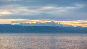 Berge in der Schweiz von Langenargen Stockfoto