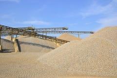 Berge des Sandes und des Kieses Lizenzfreies Stockfoto