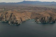 Berge, die das Meer berühren Lizenzfreies Stockbild
