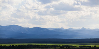 Berge im Abstand Stockbilder
