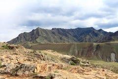 Berge im Frühjahr Lizenzfreies Stockbild
