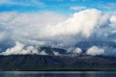 Berge in Island stockfotos